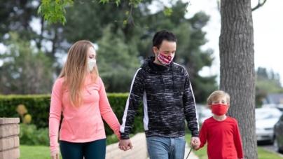 De luni intră în vigoare noi restricții cu scopul de a opri extinderea pandemiei