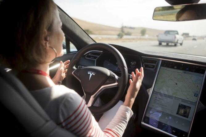 Mult-lăudatul pilot automat Tesla s-a clasat pe locul 6 din 10 sisteme de asistență a șoferului evaluate de EuroNCAP