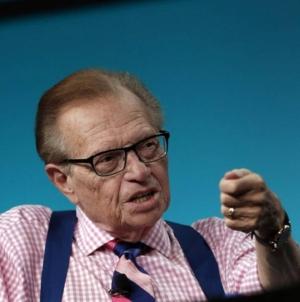 Apreciatul realizator de emisiuni TV Larry King a decedat