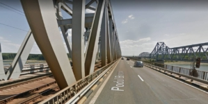 Patru companii se luptă pentru reabilitarea podului de la Fetești, uitat 38 de ani