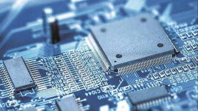 Criza semiconductorilor: Volkswagen ar putea cere despăgubiri de la Bosch şi Continental. Firmele de tehnologie, somate să majoreze producția