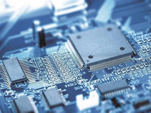 UPDATE: Criza de semiconductori auto ia amploare: Dacia confirmă stoparea activității în 3 zile din februarie