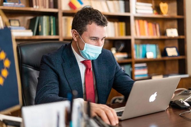 Tanczos Barna despre taxa pe poluare: Din 2022 trebuie să avem o decizie fără echivoc şi asumată