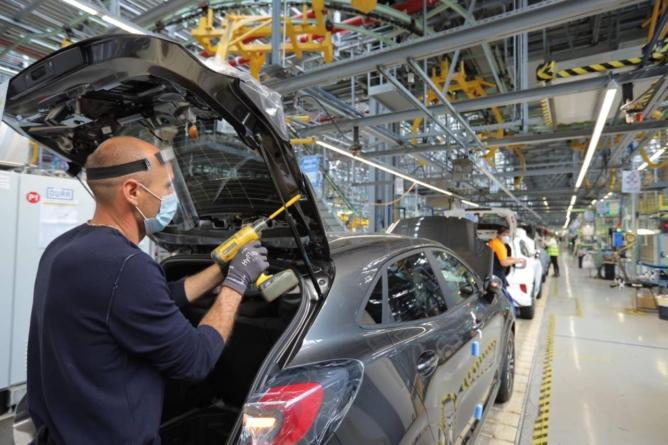 Criza de semiconductori se acutizează. Uzina Ford din România a produs în septembrie doar 7.156 de mașini
