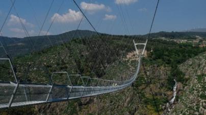 În Portugalia a fost inaugurat cel mai lung pod pietonal suspendat din lume