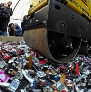 Ceasurile contrafăcute aduc pierderi anuale de două mld. franci economiei elvețiene