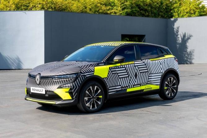 Renault MeganE, modelul electric compact, intră în testele de drum