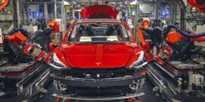 Șeful Tesla speră ca uzina din Germania să demareze producția în octombrie