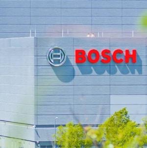 Electrificarea mașinilor începe să facă victime. Bosch ar putea închide o uzină din Germania