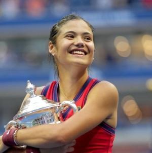 """Emma Răducanu, învingătoare la US Open: """"Am impresia că trăiesc un vis"""""""