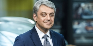 Luca de Meo, CEO Renault: Dacă nu vom avea tot mai multe mașini cu emisii zero nu vom putea rămâne pe piață